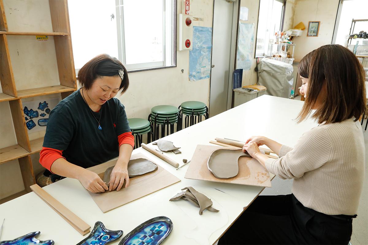 Ishigaki-yaki Pottery Studio Image