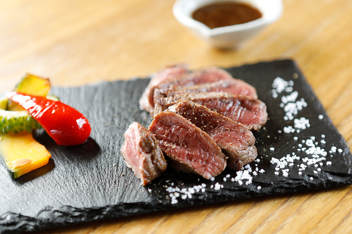 Smoked Ishigaki Beef Steak KABIRATEI Image